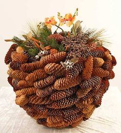 bowl form pinecones for xmas deco  - (re)Pinned by Idea Concept Design.nl