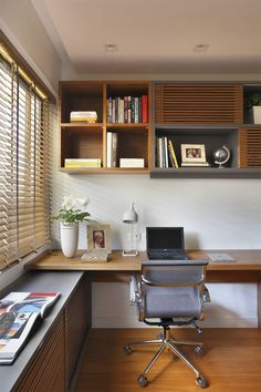 White Home Office Ideas To Make Your Life Easier; home office idea;Home Office Organization Tips; chic home office. Furniture, Home Goods, Small Home Offices, Home Decor, House Interior, Office Interior Design, Home Interior Design, Small Home Office Furniture, Office Design