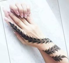 Find images and videos about henna and hena on We Heart It - the app to get lost in what you love. Henna Hand Designs, Eid Mehndi Designs, Mehndi Designs Finger, Stylish Mehndi Designs, Mehndi Designs For Girls, Bridal Henna Designs, Mehndi Designs For Fingers, Beautiful Henna Designs, Latest Mehndi Designs
