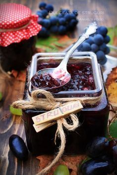Angel's food: Dulceata de struguri Meals In A Jar, How Sweet Eats, Preserves, Pantry, Deserts, Appetizers, Food, Jelly Belly, Sauces