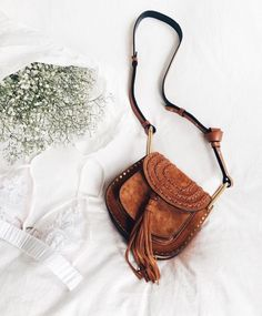 af59bb1a4086 bohemian brown over the shoulder bag and white bralette Moda Y  Complementos