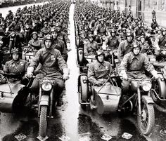 motorcycles of the Red Army Mg34, Ural Motorcycle, Antique Motorcycles, Stunt Bike, Germany Ww2, Red Army, German Army, Vintage Bikes, War Machine