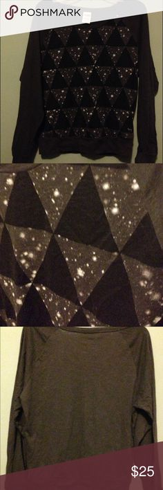"""PINK Victoria secret black/white """"galaxy"""" shirt Cool looking shirt looks like a galaxy. Long sleeve. Size m RN 70817 hardly worn. Any questions please ask before buying. PINK Victoria's Secret Tops Tees - Long Sleeve"""