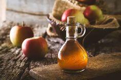 Co súrodou jablek? Připravte si pro zdraví ocet či křížaly Apple Health Benefits, Apple Cider Benefits, Home Remedies For Ringworm, Natural Remedies, Gout Remedies, Apple Cider Vinegar Uses, Back Acne Treatment, Lower Blood Sugar, Fermented Foods