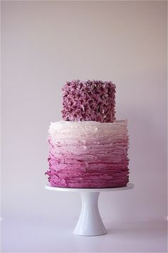 purple cake, add some moss on top and groom/ bride, voila ! Side cakes  #dawninvitescontest