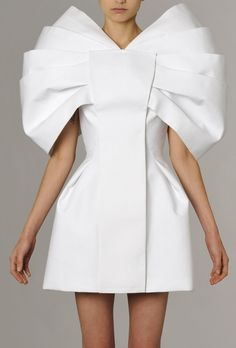 Sculptural Fashion - white dress with three-dimensional structured design, clean lines, symmetry and pleated texture; wearable art; fashion architecture // Dice Kayek