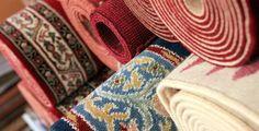 Come dare maggiore #vitalità e #personalità al tuo #soggiorno! #tappeti #tende