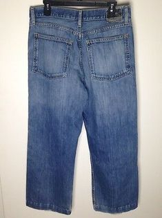 Levi's SilverTab low and loose relaxed fit men's waist, pants have been hand-hemmed to a inseam. SilverTab tag on back is worn, fraying to front pockets and bottom hems. Denim Jeans Men, Jeans Fit, Blue Jeans, Denim Shorts, Man Clothes, Red Peach, Loose Jeans, Cargo Pants, Mens Fitness