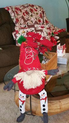 Christmas Gnome, Christmas Stockings, Gnomes, Arts And Crafts, Holiday Decor, Scandinavian, Nutrition, Health, Home Decor