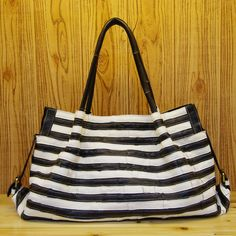 Free shipping Fashion bag travel women's handbag black and white stripe women's bag first layer of cowhide female big bags     Tag a friend who would love this!     FREE Shipping Worldwide     Get it here ---> http://onlineshopping.fashiongarments.biz/products/free-shipping-fashion-bag-travel-womens-handbag-black-and-white-stripe-womens-bag-first-layer-of-cowhide-female-big-bags/