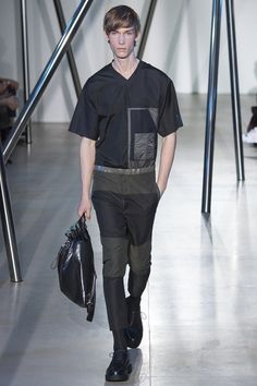 Catwalk photos and all the looks from Jil Sander Spring/Summer 2016 Menswear Milan Fashion Week