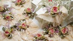 La consegna delle bomboniere è il momento che conclude il wedding day. Gli ospiti si congedano e la coppia di sposi, per ringraziarli della partecipazione al