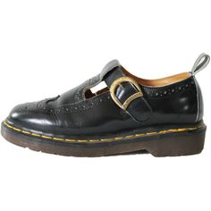 Dr. Martens England Black Leather Mary Jane Wing Tip Preppy Hipster... (64.785 CLP) ❤ liked on Polyvore featuring shoes, preppy shoes, grunge shoes, mary jane shoes, dr martens shoes and hipster shoes