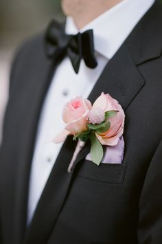 #boutonniere  Photography: Robert And Kathleen Photographers - robertandkathleen.com  Read More: http://www.stylemepretty.com/2014/07/09/garden-inspired-nyc-rooftop-wedding/