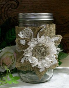 Burlap wedding jar, Burlap wedding decor, Burlap flower and candle holder, Country chic wedding Burlap Flowers, Burlap Lace, Fabric Flowers, Paper Flowers, Hessian, Burlap Projects, Burlap Crafts, Diy Crafts, Lace Mason Jars