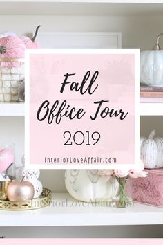 Decorate for fall with blush pink, white and gold accents! home décor; how to decorate for fall. New Year Holidays, Christmas Holidays, Christmas Crafts, Velvet Pumpkins, White Pumpkins, Thanksgiving Crafts, Thanksgiving Birthday, Game Fruit, Fall Floral Arrangements