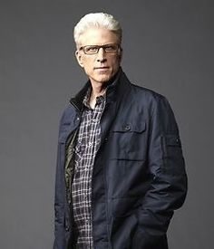 'CSI': Ted Danson welcomes Marg Helgenberger back for show's episode Grey White Hair, Men With Grey Hair, Gray Hair, Las Vegas, Older Mens Hairstyles, Men Tv, Executive Fashion, Famous Faces, Famous Men