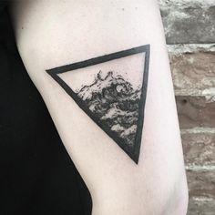 Znalezione obrazy dla zapytania sea in triangle tattoo