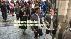 FC Bayern München Meisterfeier 2016: Ankunft der Mannschaften im Rathaus...