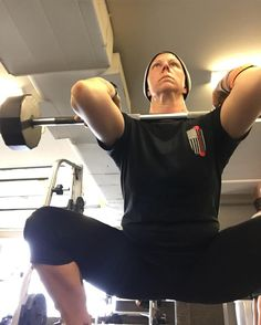 Today's #front #squats. #glutes #quads #core #legs #elbowsUP #catchaliftfund @catchalift_fund #strengthTraining #CplChrisCoffland