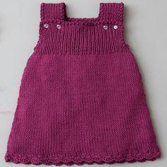 Lana Grossa Kleid Hose Wakame Filati Infanti No. How To Start Knitting, Knitting For Kids, Baby Knitting Patterns, Baby Patterns, Girls Knitted Dress, Knit Baby Dress, Baby Vest, Baby Cardigan, Dress Trousers