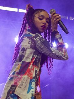 FKA Twigs Is the Natural-Haired Brit We Can't Stop Talking About natural-haired celebs
