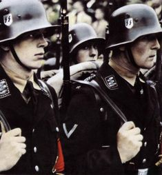 ***NOT POLITICAL*** This picture depicts Allgemeine-SS troops. Formed in September of the Allgemeine SS was the largest branch of the… Ww2 Uniforms, German Uniforms, German Soldiers Ww2, German Army, Aryan Race, Lord Of War, Germany Ww2, Ww2 Pictures, German Helmet