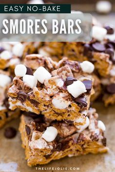 Whip together these simple and delicious No-Bake Smores Bars in minutes! Made with Golden Grahams, marshmallows, and chocolate chips, these are a great no-bake dessert option that both kids and adults will love this summer! Get the yummy smores taste without all the mess that is easy to grab and go. Great for kid's birthday parties, fun cookouts, picnics, snacks, or after-dinner desserts. These will have everyone drooling and asking for seconds! Such an easy recipe for a fun sweet treat. No Bake Desserts, Easy Desserts, Delicious Desserts, Dessert Recipes, Yummy Food, Dessert Ideas, Holiday Desserts, Healthy Desserts, Cake Recipes