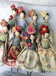 Magpie dolls