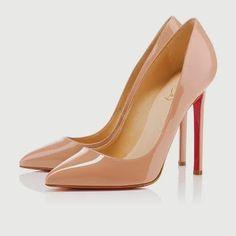 Hay productos estrella que a prácticamente todas las mujeres encantan y favorecen: los básicos de moda que toda mamá, sin importar su edad, debe tener.