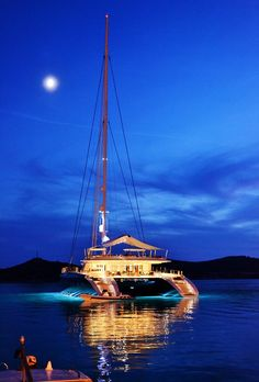 ♂ Life by the sea Evening in the Yacht