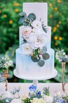blue watercolor wedding cake