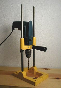 Drill press.                                                                                                                                                                                 Mais