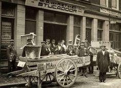 Stucadoorsbedrijf 1928.  Foto: Fotoarchief Spaarnestad, tijdschrift het Leven.