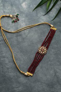Antique Jewellery Designs, Fancy Jewellery, Gold Jewellery Design, Tanishq Jewellery, Handmade Jewelry Designs, Temple Jewellery, Victorian Jewelry, Star Wars Rebels, Gold Choker Necklace