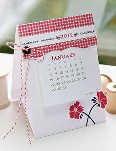 fun little calendar - tutorial on making it stand up
