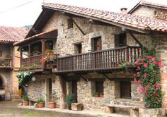 Fashion and Lifestyle Cottage Design, House Design, Beautiful Homes, Beautiful Places, Tiny House Exterior, Places In Spain, Spanish Style Homes, House Drawing, Old Houses