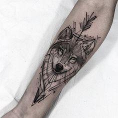 No photo description available. Wolf Paw Tattoos, Wolf Tattoos For Women, Arm Tattoos For Guys, Animal Tattoos, Tattoos Arm Mann, Leg Tattoos, Body Art Tattoos, Small Tattoos, Wolf Tattoo Design