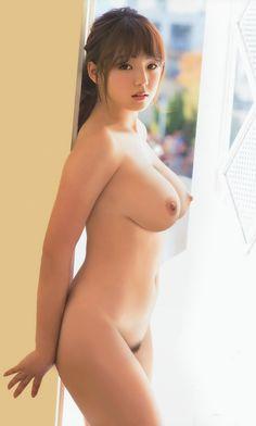Ai Shinozaki / 篠崎愛