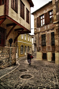 The traditional architecture, beauty and colours of Xanthi' s Old Town Beautiful Islands, Beautiful Places, Greece Today, Places In Greece, Greek House, Into The West, Macedonia, Ancient Greece, Greece Travel