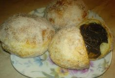 Donuts filled with chocolate Donut Filling, Doughnuts, Foodies, Muffin, Bread, Breakfast, Desserts, Recipes, Morning Coffee