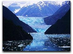 Tracy Arm Fjord in Alaska - so amazing. Nothing like it I have ever seen before. Alaska Usa, Vacation Places, Best Vacations, Alaska Honeymoon, Magic Places, Living In Alaska, States In America, United States, Alaskan Cruise