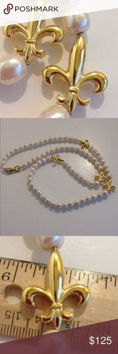 Vintage escada faux pearl necklace fleur de lis Great vintage necklace only wore a few times hang tag missing Escada Jewelry Necklaces