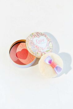 Holika Holika Love Fantasy Blush - Urban Outfitters