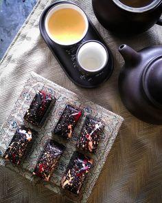 #chocolatelife #chocolatier #chocolates #pralines #chocolatepraline #bonbons #pastrylife #pastrychef #chocolate #chefsgossips #inmybelly #chefsofinstagram#darkchocolate #bittersweet #torontosweets #bonappetite #sweetlife #chocolatelove #colorfulfood #lapsongsouchong #sweettoothsatisfied  #chocolateaddict #chinesetea #teaset  #teatime #chocolatejewels #foodisbeautiful #chefstalk #chefsofinstagram  #cockandcleaver #chefrubber Chinese Tea, Pastry Chef, Sweet Life, Food Coloring, Tea Set, Bon Appetit, Chocolates, Tea Time, Cooking Recipes