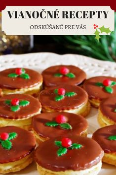 Napečte si chutné koláčiky ku vianočným rozprávkam. Z týchto odskúšaných receptov si určite nájdete svoj obľúbený. Gingerbread Cookies, Red Velvet, Desserts, Food, Gingerbread Cupcakes, Tailgate Desserts, Deserts, Essen, Postres