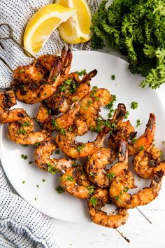 Easy Grilled Shrimp is full of flavor and easy to make either directly on the grill or on skewers. No marinating required! Easy Grilled Shrimp is full of flavor and easy to make either directly on the grill or on skewers. No marinating required! Grilling Recipes, Fish Recipes, Seafood Recipes, Cooking Recipes, Healthy Recipes, Dry Rub Recipes, Recipies, Healthy Grilling, Whole30 Recipes