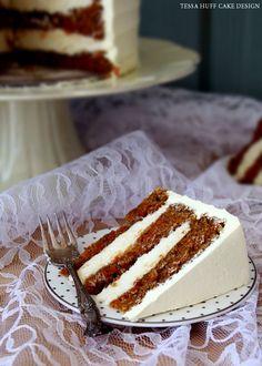 Torta de zanahoria con Nest azúcar hilado por Tessa Huff | TheCakeBlog.com