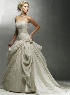 USD$239.76 - Strapless A-line Chapel Train Taffeta Wedding Dresses  - www.weddingdressbraw.com