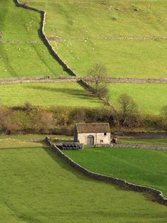 I want to walk atop a stone wall in the country side of Britain